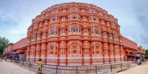 """Interesting Fact About """"Hawa Mahal"""" Rajasthan.."""