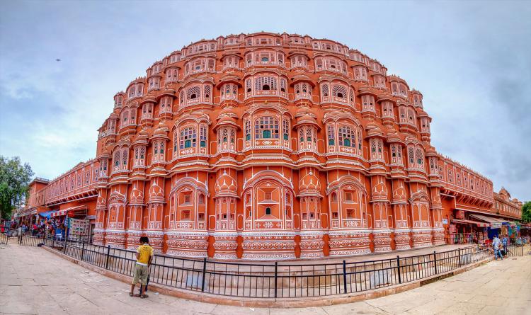 """Interesting Facts About """"Hawa Mahal"""" Rajasthan.."""
