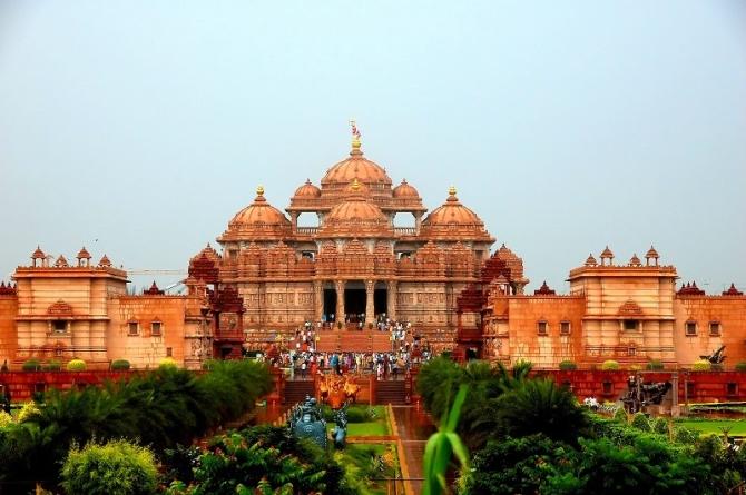 Akshardham : World's Largest Comprehensive Hindu Temple.