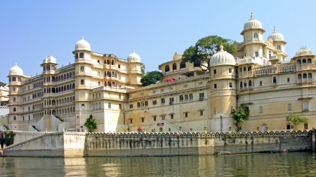 "Udaipur ""The City of Lakes"""