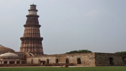 Qutub Minar : The world's tallest brick minaret